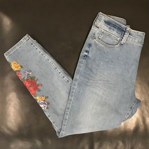 Skinny Jeans with Painted Roses